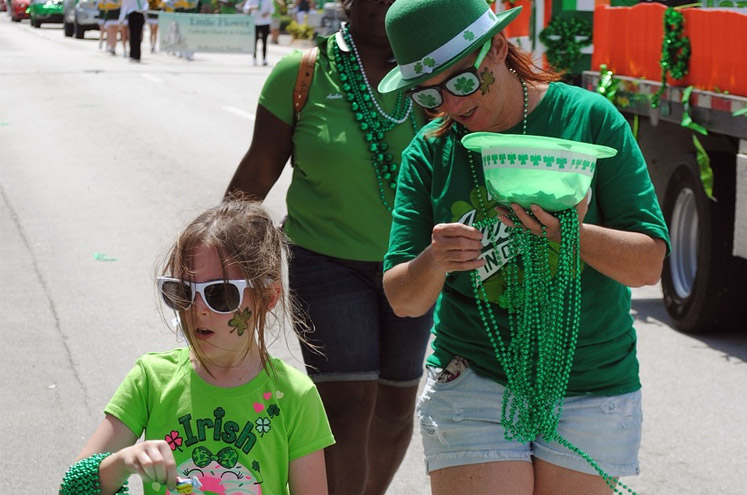 How to Promote Your Brand on St. Patrick's Day: Custom Shirts